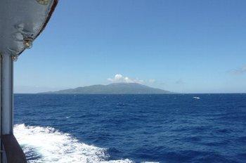13隣の三宅島が見えてます.JPG