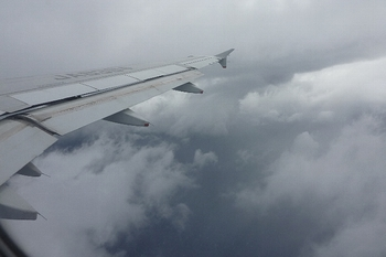 これは16日の大荒れの太平洋の空.JPG