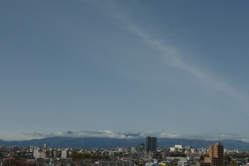 筋雲高く大山にかかる.JPG
