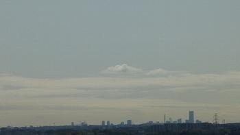 蜃気楼の様な横浜方面の空.JPG